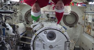 NASA astronaut Anne McLain and Canada's David Saint-Jacques send holiday greetings from space